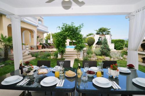 dining-table-terrace